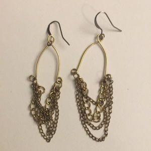 Gold chain pierced earrings